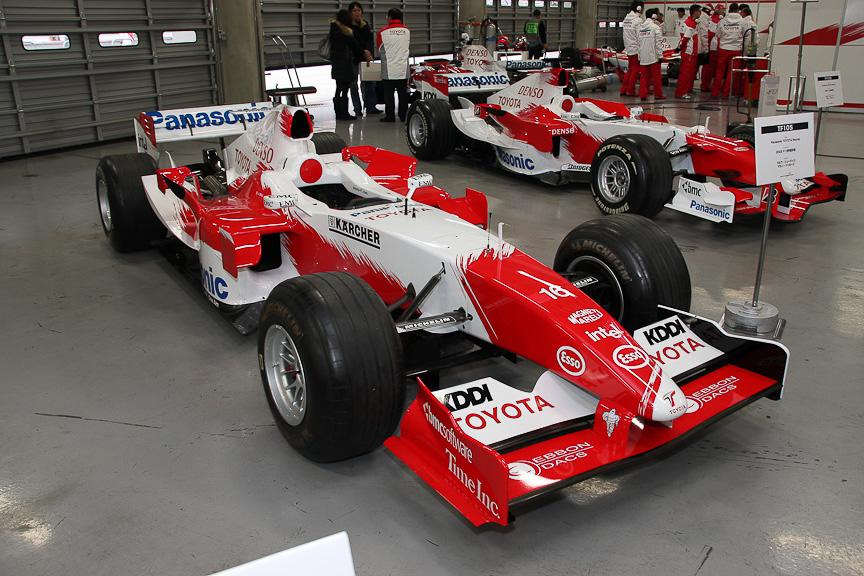TF105。ラルフ・シューマッハとヤルノ・トゥルーリのコンビがドライブした