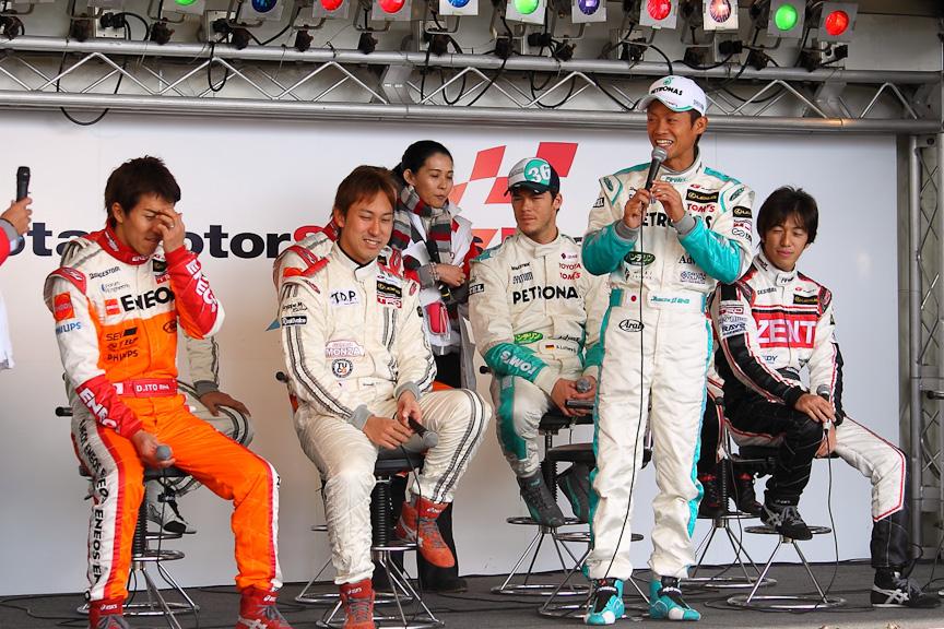 イベントステージ大トリの「LGDAドライバートークショー」の様子