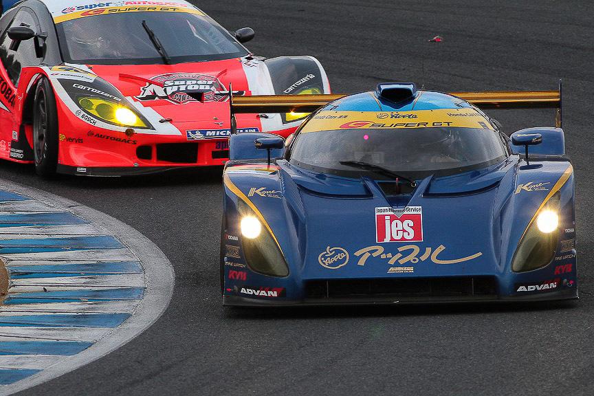 SUPER GTやスーパー耐久シリーズで活躍する吉本大樹選手