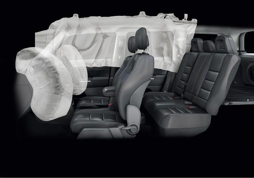 マルチステージフロントエアバッグ(運転席/助手席)、サイドカーテンエアバッグはスポーツ、リミテッドともに標準装備