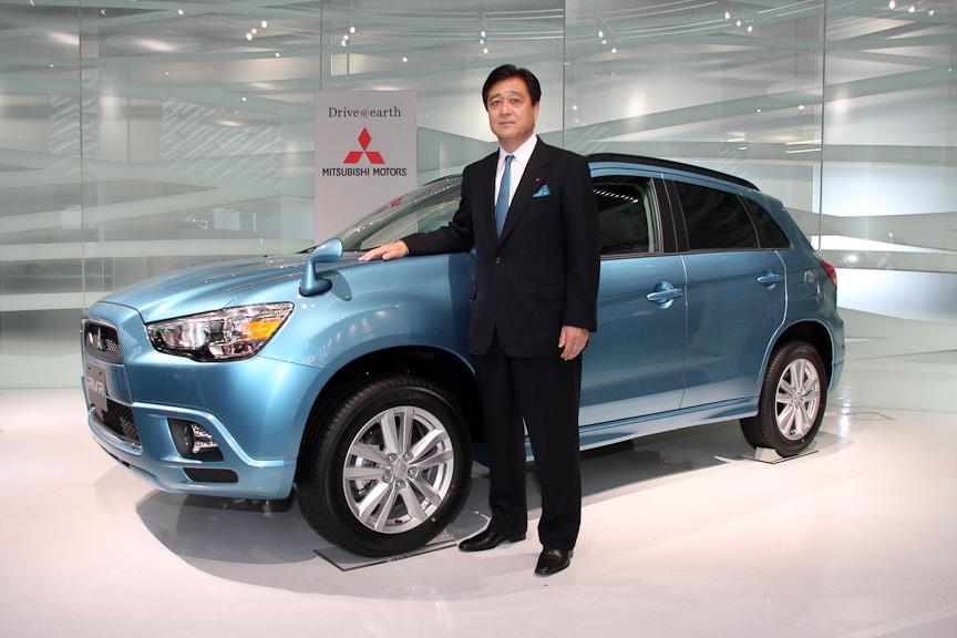 新型RVRと三菱自動車工業 取締役社長 益子修氏