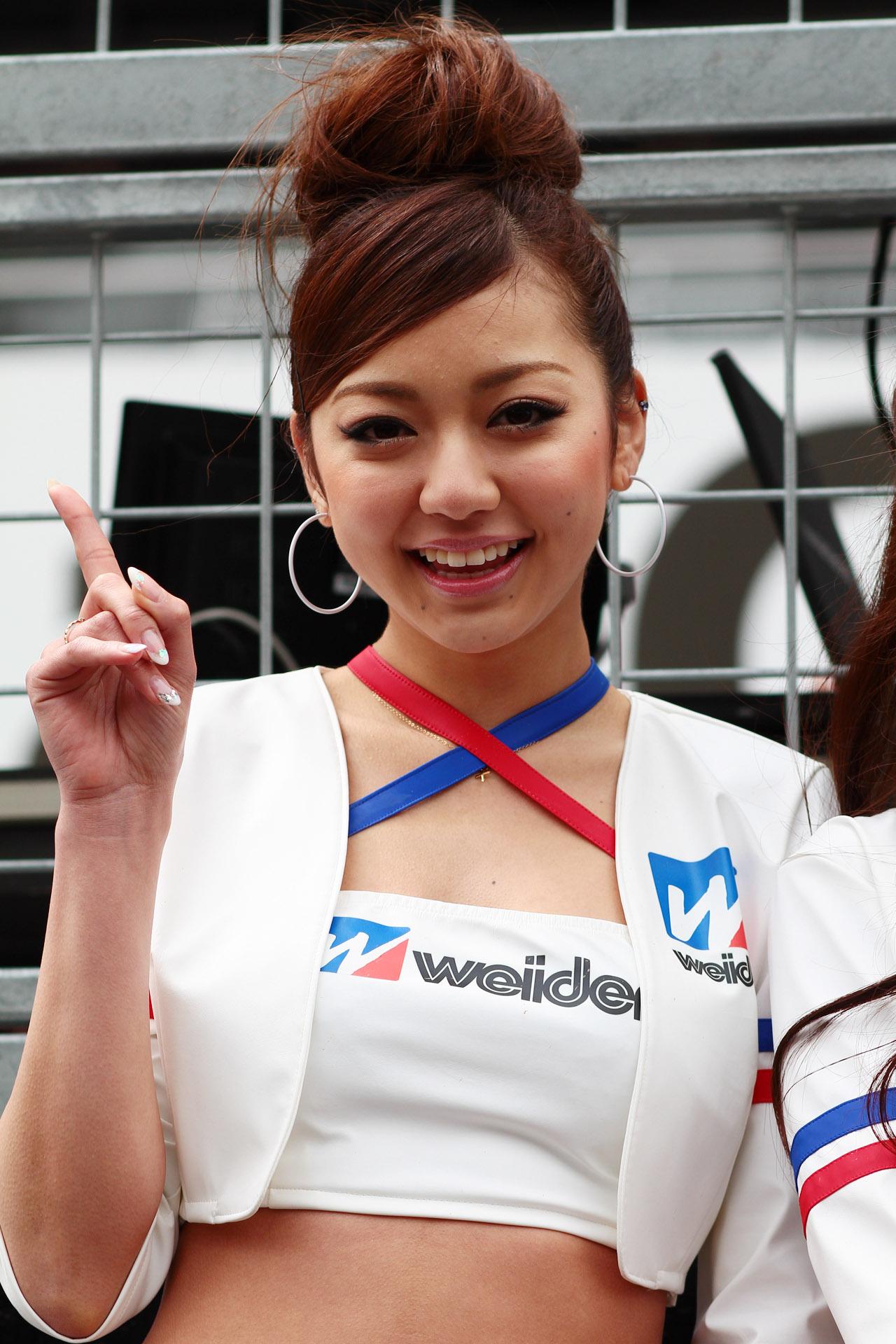 SUPER GT開幕戦鈴鹿フォトギャラリー【ドライバー&レースクィーン編】