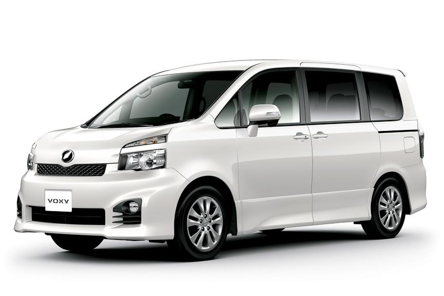 ヴォクシー ZS (7人乗り、2WD)オプション装着車、ホワイトパールクリスタルシャイン