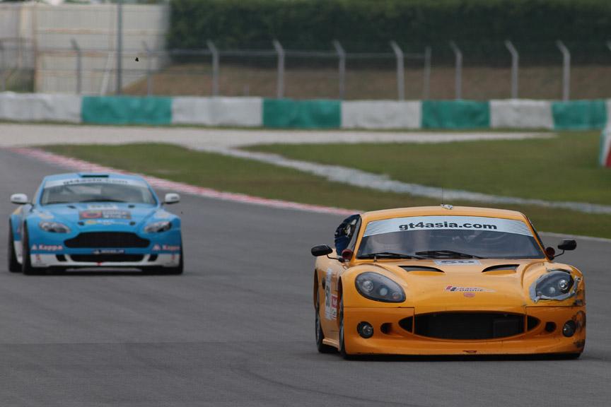 GT4 Asiaのレースシーン