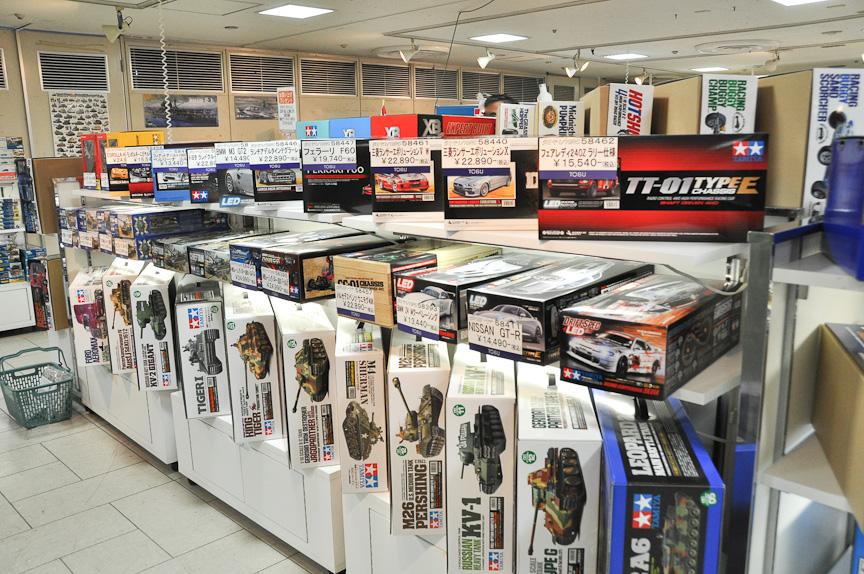 販売コーナー。タミヤ製品を購入することができる