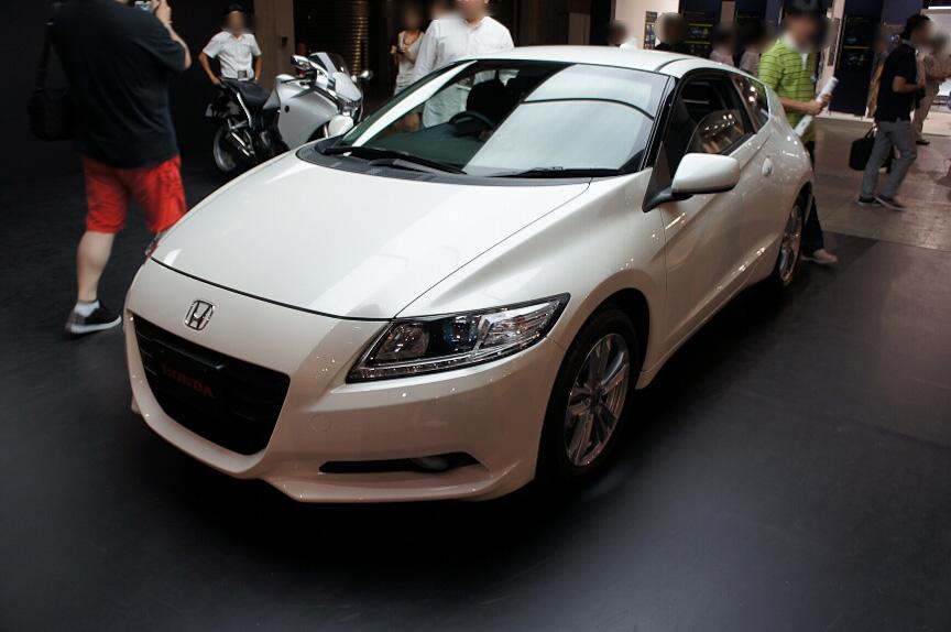 ホンダ「CR-Z」は来場者が車内に乗り込めるようホンダのブースで展示された