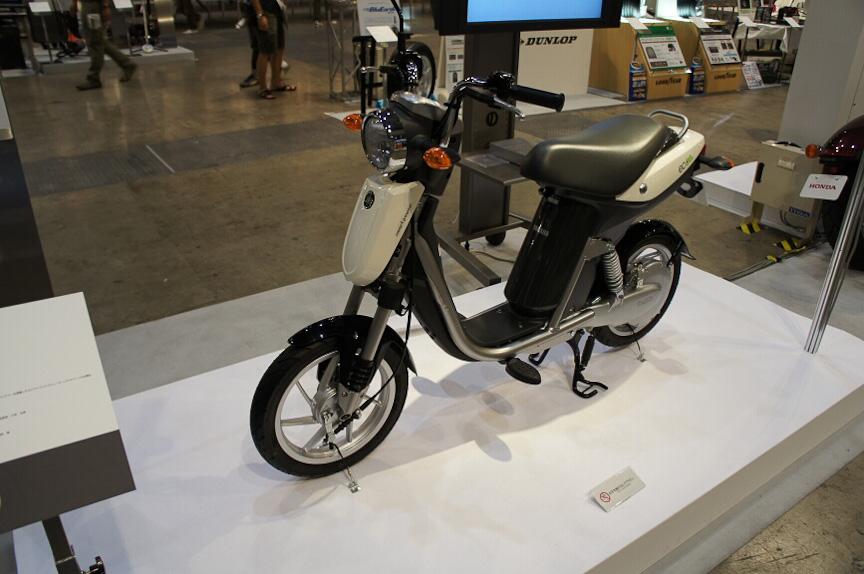 電動二輪車「EC-03」