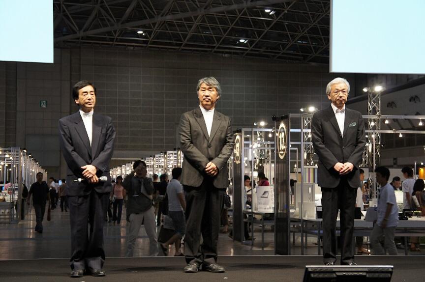 左から、移動ユニットの審査を行う移動ユニット長である山村真一氏、木村徹氏、福田哲夫氏
