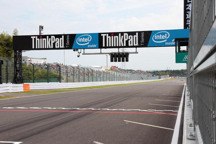 今年は冠スポンサーがフジテレビではなくなったため、ゲートのスポンサーがThinkPad(レノボ)に代わっていた