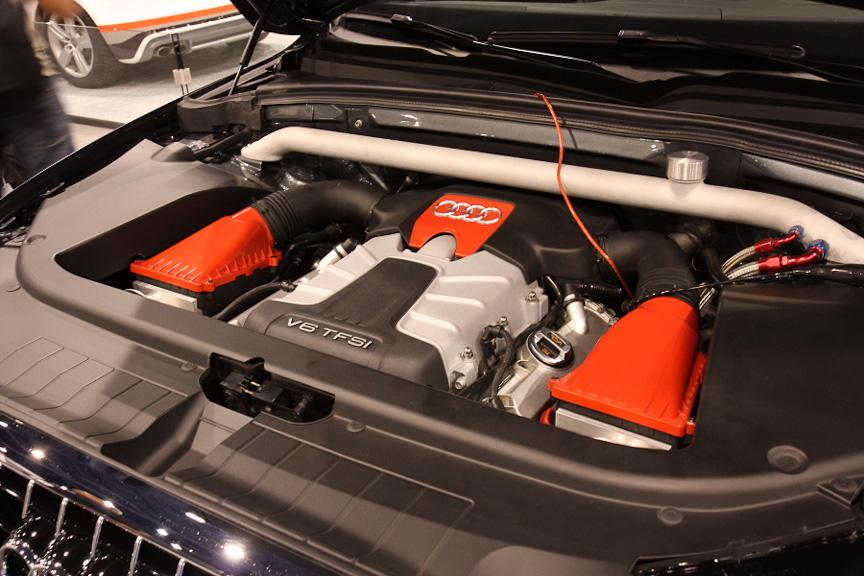 エンジンはS4のV型6気筒 3リッターTFSIに変更している