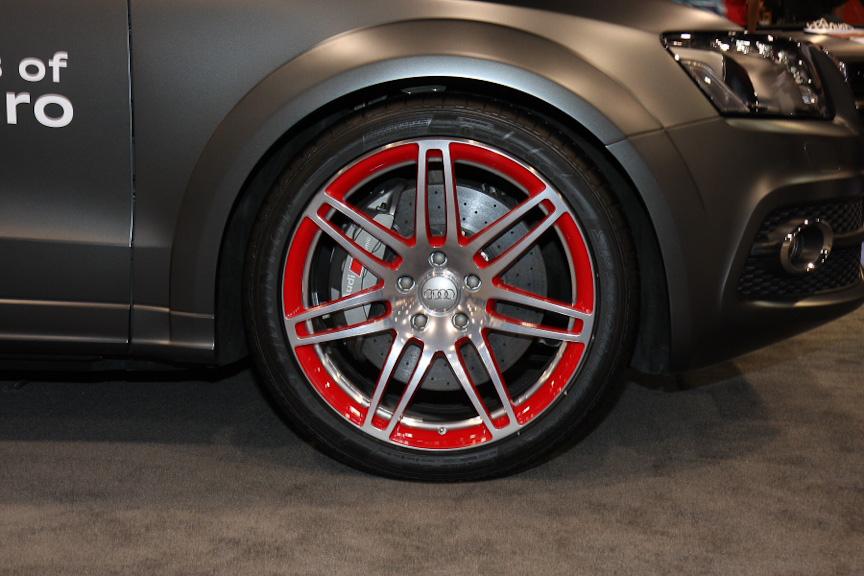 ホイールは21インチで、ブレーキも大径モデルを装着