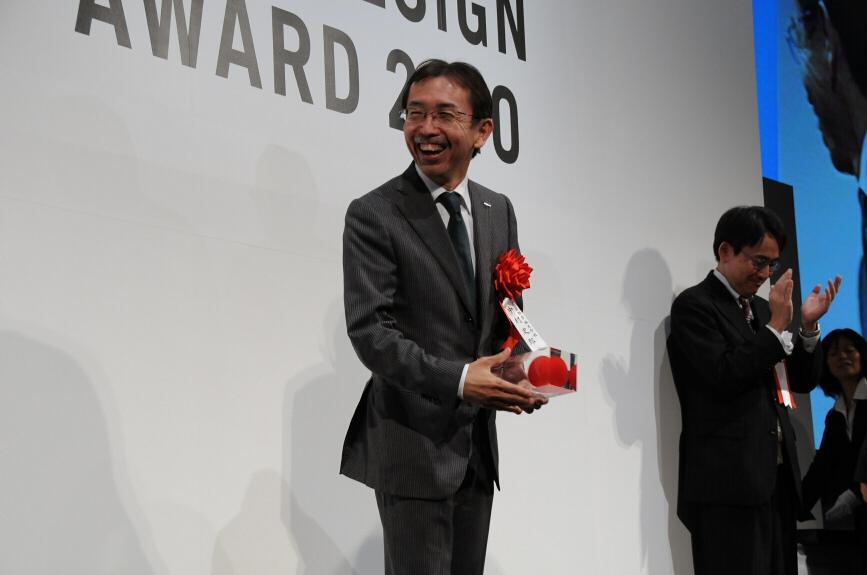 大賞は逃したものの、金賞を受賞した日産「リーフ」担当の中村史郎氏