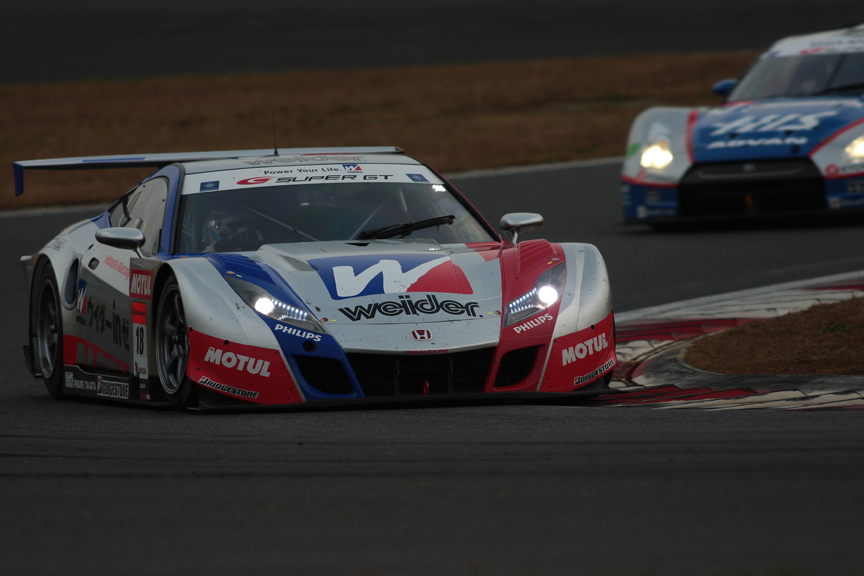 24号車 HIS ADVAN KONDO GT-Rを抜き4位まで浮上した