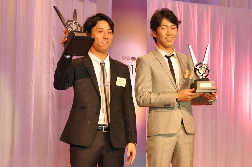 SUPER GT(GT300)チャンピオン 星野一樹選手(左)/柳田真孝選手(右)