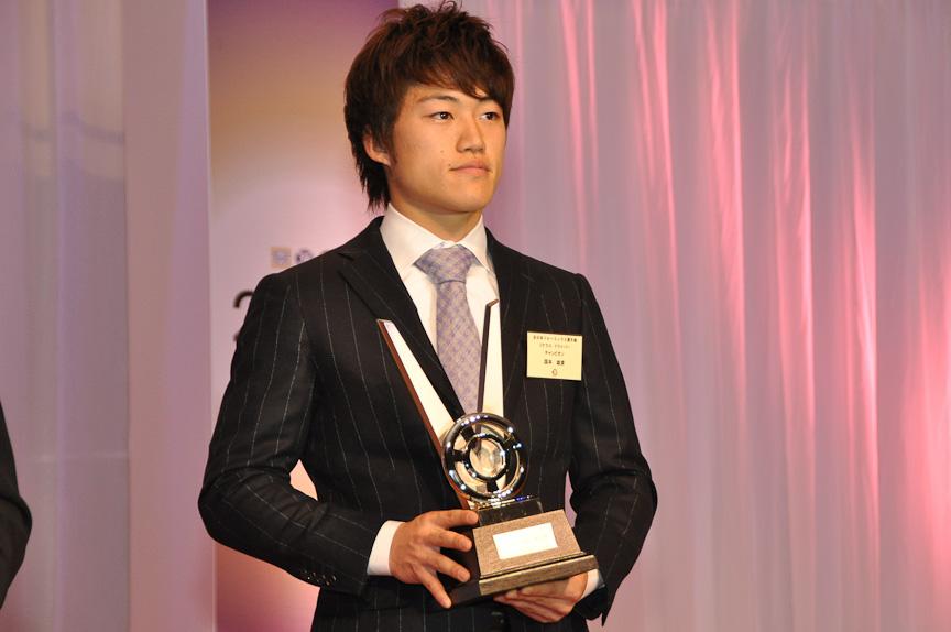F3(Cクラス)チャンピオン 国本雄資選手