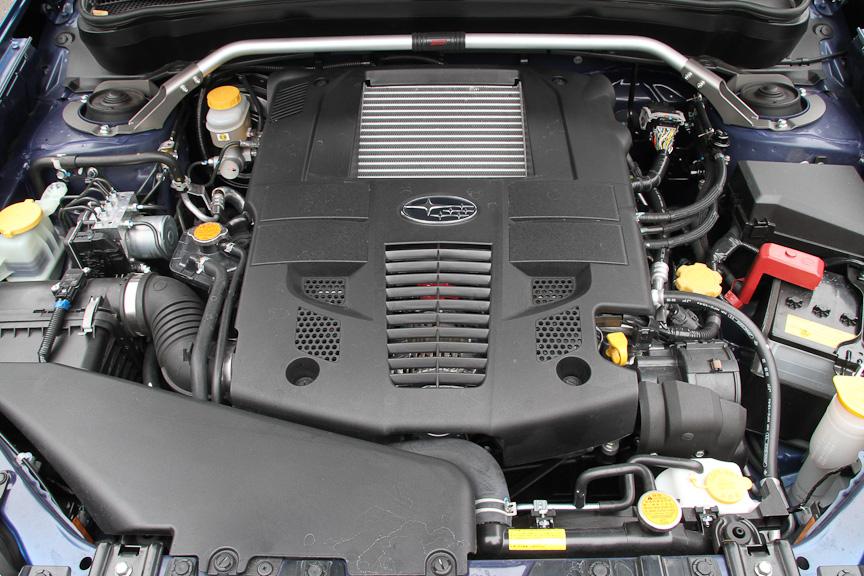 エンジンはベース車と同じ2.5リッターターボ。出力なども同じ