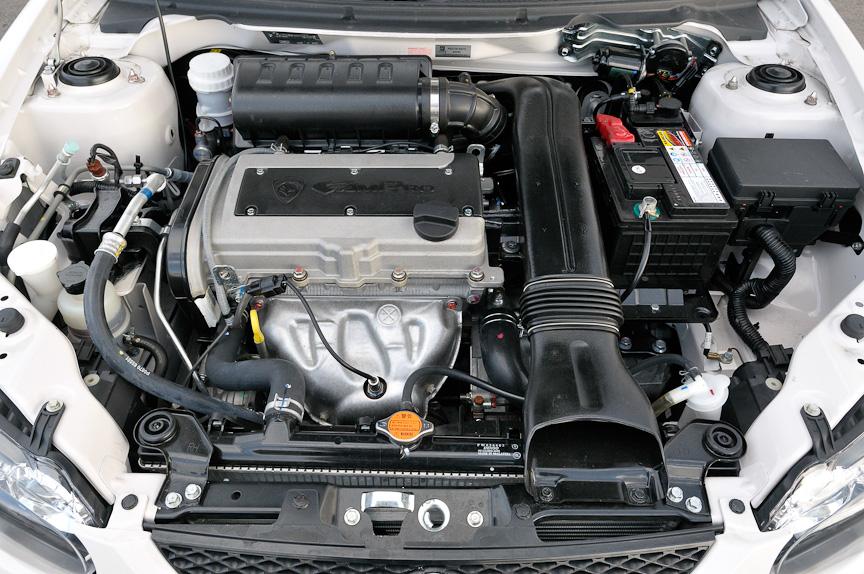 直列4気筒DOHC 1.6リッターエンジンを搭載し、最高出力83kW(113PS)/6000rpm、最大トルク148Nm(15.1kgm)/4000rpmを発生