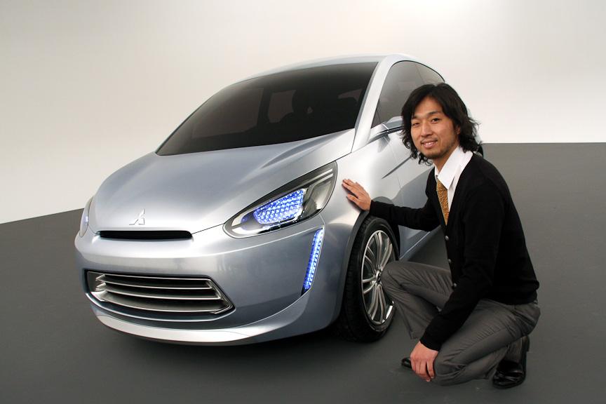 三菱 コンセプト グローバル スモールのデザインを担当した三菱自動車工業 デザイン本部 デザイン推進部 吉峰典彦氏
