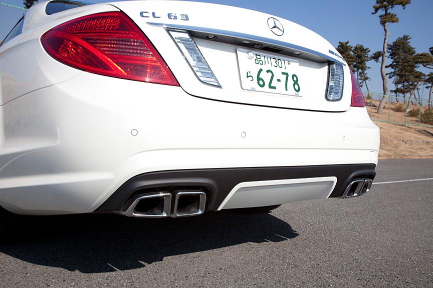 リアには車名と「AMG」エンブレムが装着される。テールランプもLED化されている