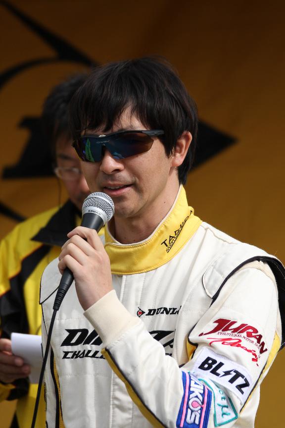 ゲストドライバーの田中哲也選手(左)と青木孝行選手