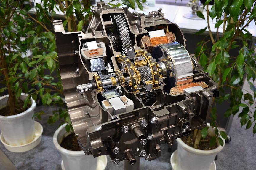 NSKはプリウス用ハイブリッドトランスミッションを展示