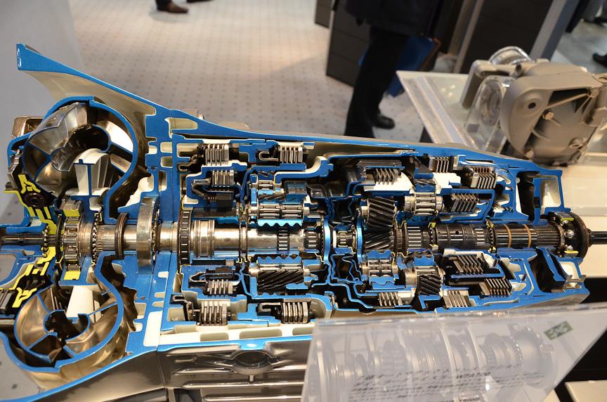 独シュフラーが展示したメルセデス・ベンツの7速AT「7G-TRONIC」