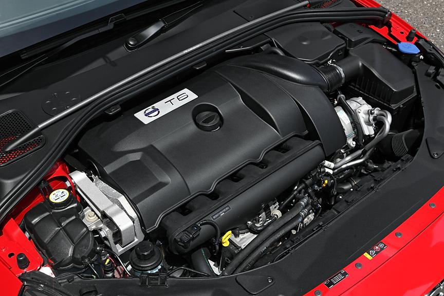 T6 AWDの直列6気筒3リッターターボエンジン