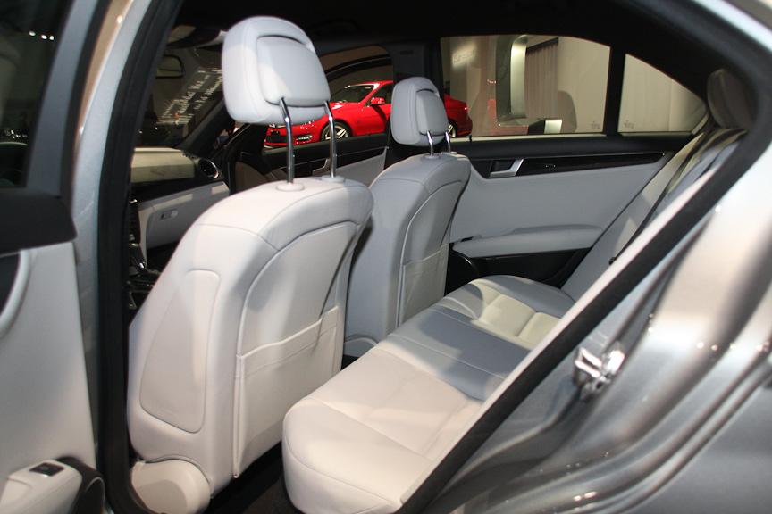 8月中旬にデリバリーを開始するC 350 ブルーエフィシェンシーアバンギャルドは、新開発のV型6気筒DOHC 3.5リッターエンジンを搭載