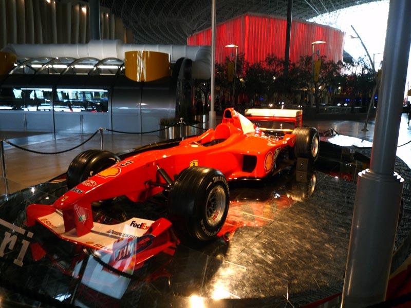 シューマッハが駆ったチャンピオンマシン、F2001ではないかと思うが、ちょっと自信がない