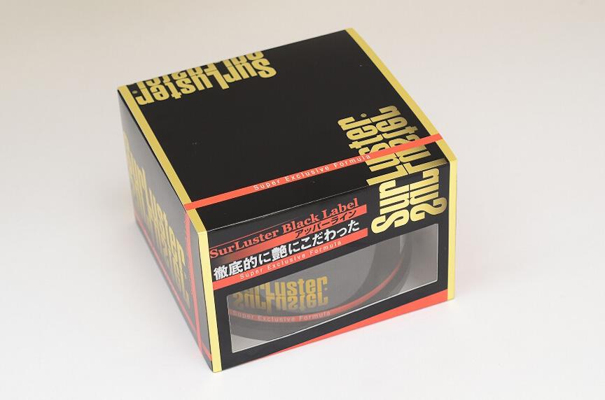 シュアラスターのプレミアムワックスに属する「スーパーエクスクルーシブフォーミュラ」。箱も高級そうだ
