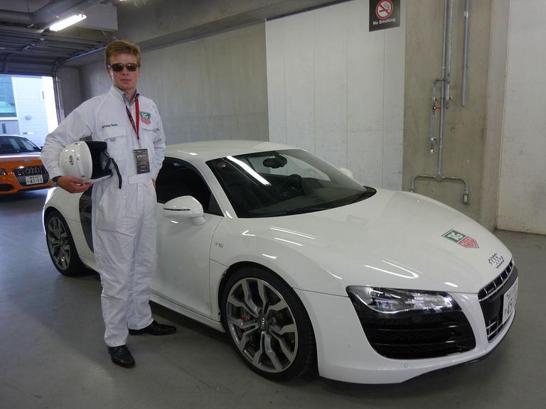 ドライビングスクールはショートコースでのブレーキ体験やレーシングコース(本コース)を使ったアウディのSモデルやRSモデルなどの体験走行が行われる。最高速度は何と200km/h!