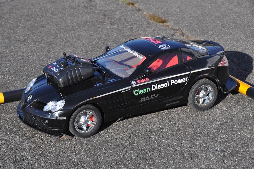 「Clean Diesel Power」と書かれているが、もちろん電動RCカー
