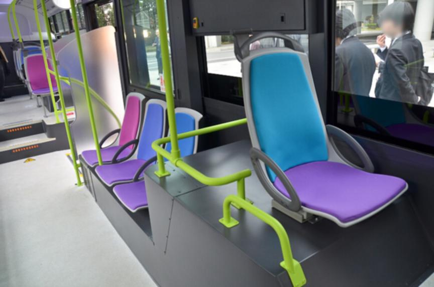 今回は試作車ということもあり、椅子のデザインに凝ったと言う