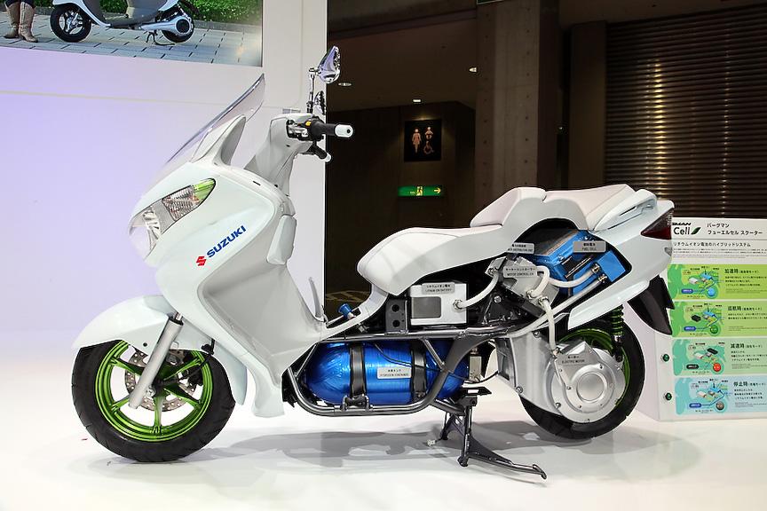 ちょっとビックリの燃料電池スクーター「バーグマン フューエルセル スクーター」。2009年のモーターショー出展後、イギリスなどで実証実験を実施中だ