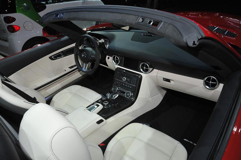 SLS AMG ロードスター