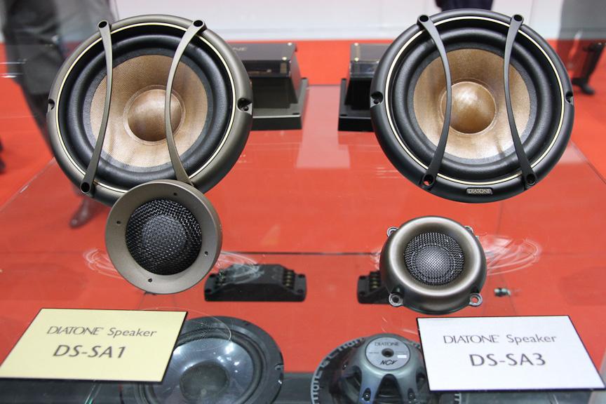 DIATONEの「DS-SA1」(写真左)と「DS-SA3」