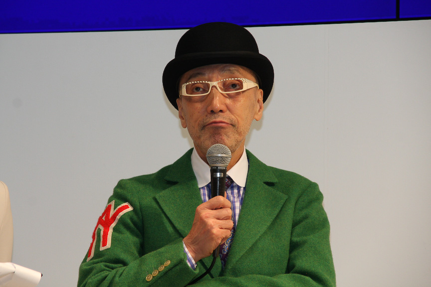 司会を務めたテリー伊藤氏からは、各メーカーのブースの特徴などについての質問も寄せられた