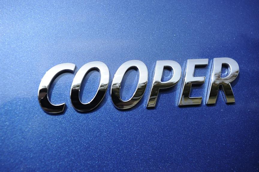 「COOPER」を示すグレードハッヂ