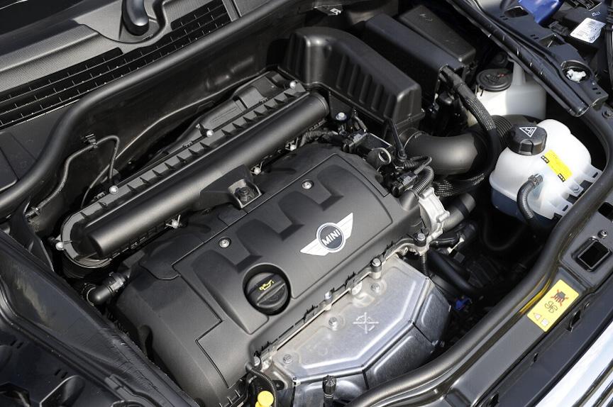 直列4気筒1.6リッター自然吸気エンジンは最高出力90kW(122PS)/6,000rpm、最大トルク160Nm/4,250rpmを発生