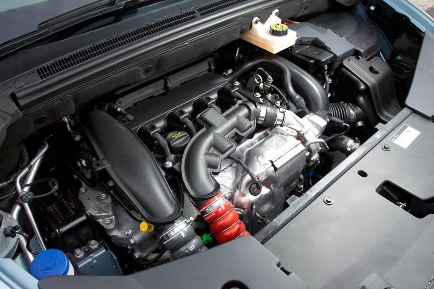 ガソリンの1.6リッター直噴ターボエンジン