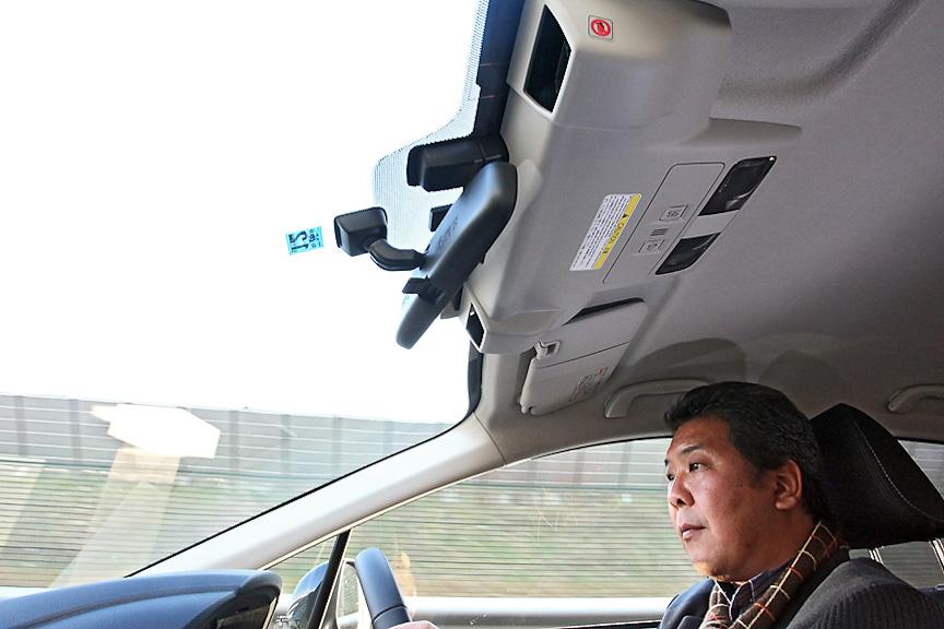 EyeSight(ver.2)で追従走行。3段階の車間設定ができるため、走行シーンにあわせて選べばよいだろう