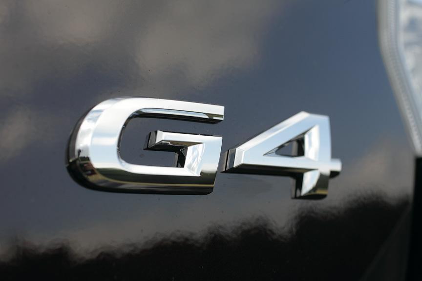 トランクフードにはG4のエンブレムが付く