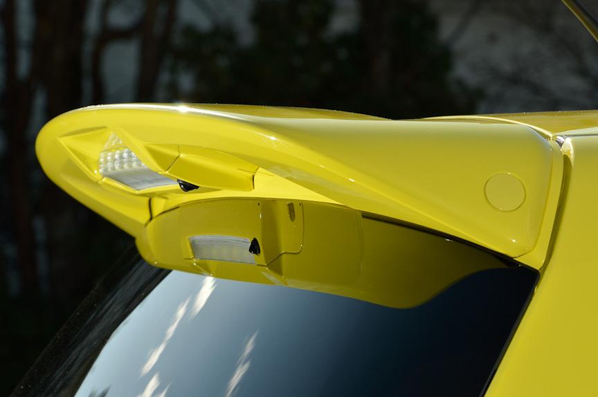 ボディーサイズは3890×1695×1510mm(全長×全幅×全高)、ホイールベース2430mm