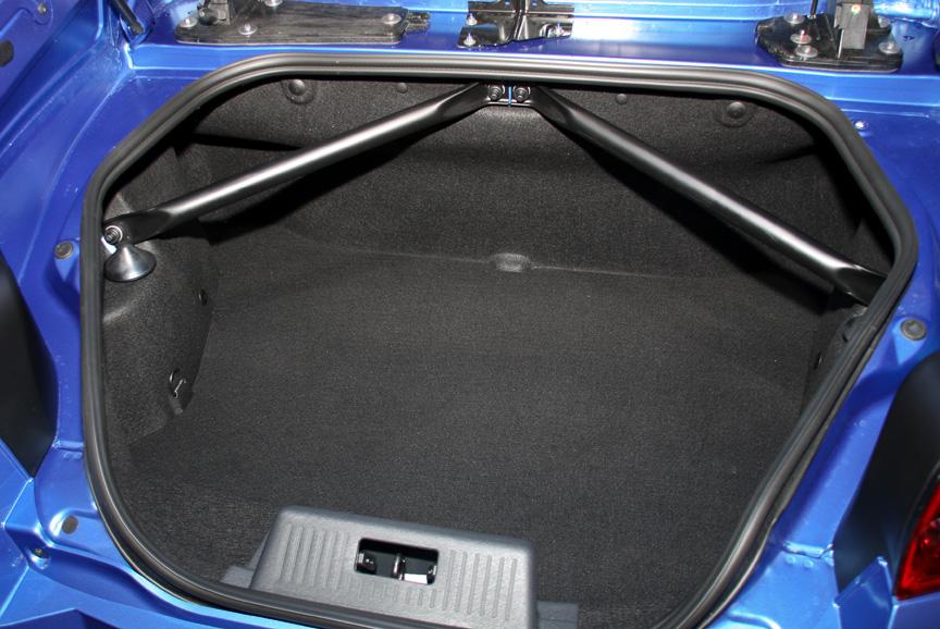 ルーフの開閉に関わらずトランク容量は270Lを確保する