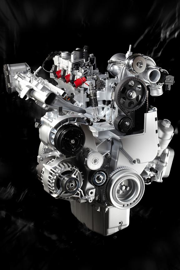 「マルチエア」を搭載したアルファロメオ「ミト」の1.4リッターターボエンジン