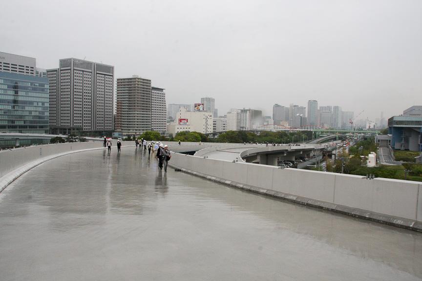 大井JCT 湾岸線 西行き方面側の頭頂部から東京都シールドを方面を見る。ちなみにここは一車線区間