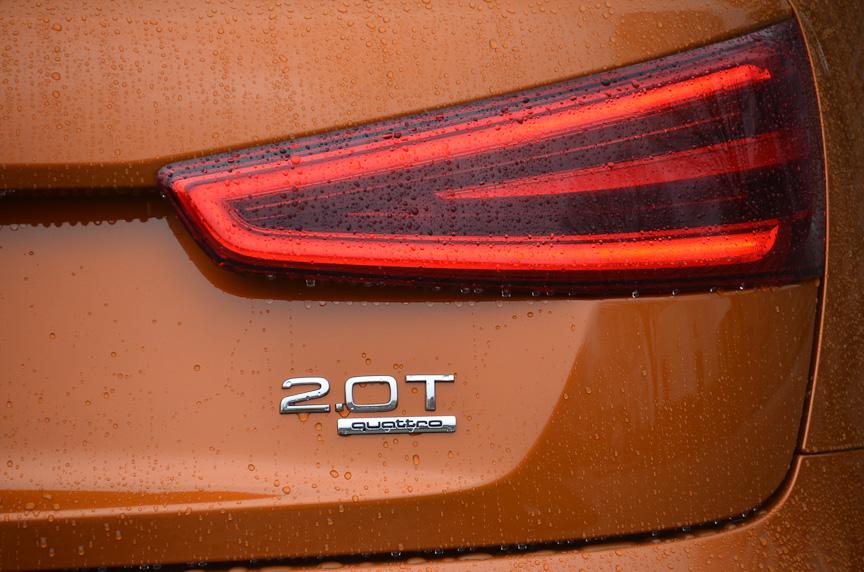 展示されている車両は2リッター直噴ターボエンジンに7速DSGを組み合わせた4WDシステムモデルの「Q3 2.0 TFSI quattro」。欧州ではFFモデルも用意されているが、日本に導入されるかどうかは明らかにされていない