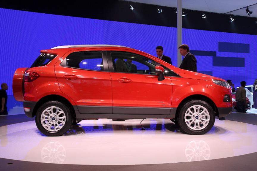 2代目となったエコスポーツは、小型SUVとしてグローバル展開されるモデル