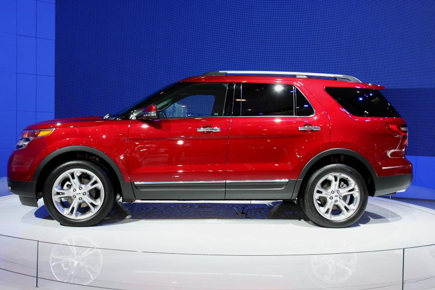 フォードSUVモデルの旗艦となるのがエクスプローラー。クラス最大級のキャビンや最新走行アシスト技術などが装備される