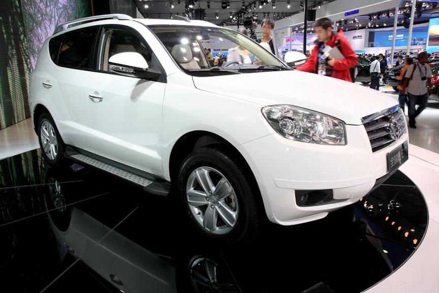 GLEAGLEブランドから発売されているミドルサイズSUVの「GX7」。駆動方式は4WDで、5+2のシートレイアウトを採用する